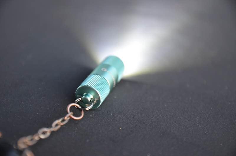 zwei helligkeitsstufen led taschenlampe schluesselbund