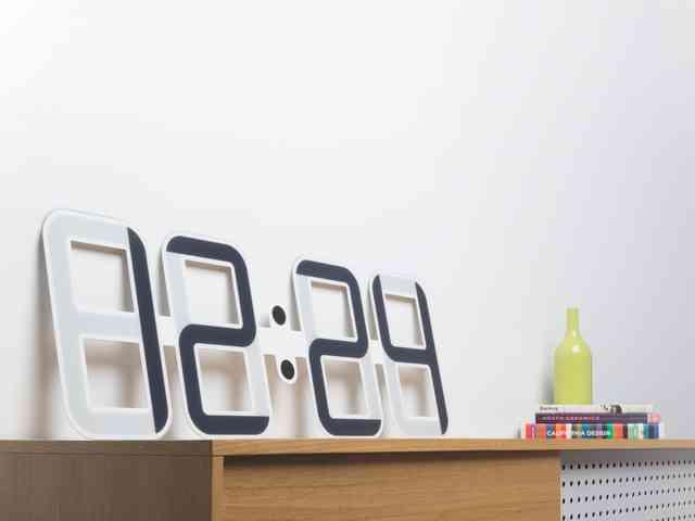 clockone die stylische luxuswanduhr gadget rausch. Black Bedroom Furniture Sets. Home Design Ideas