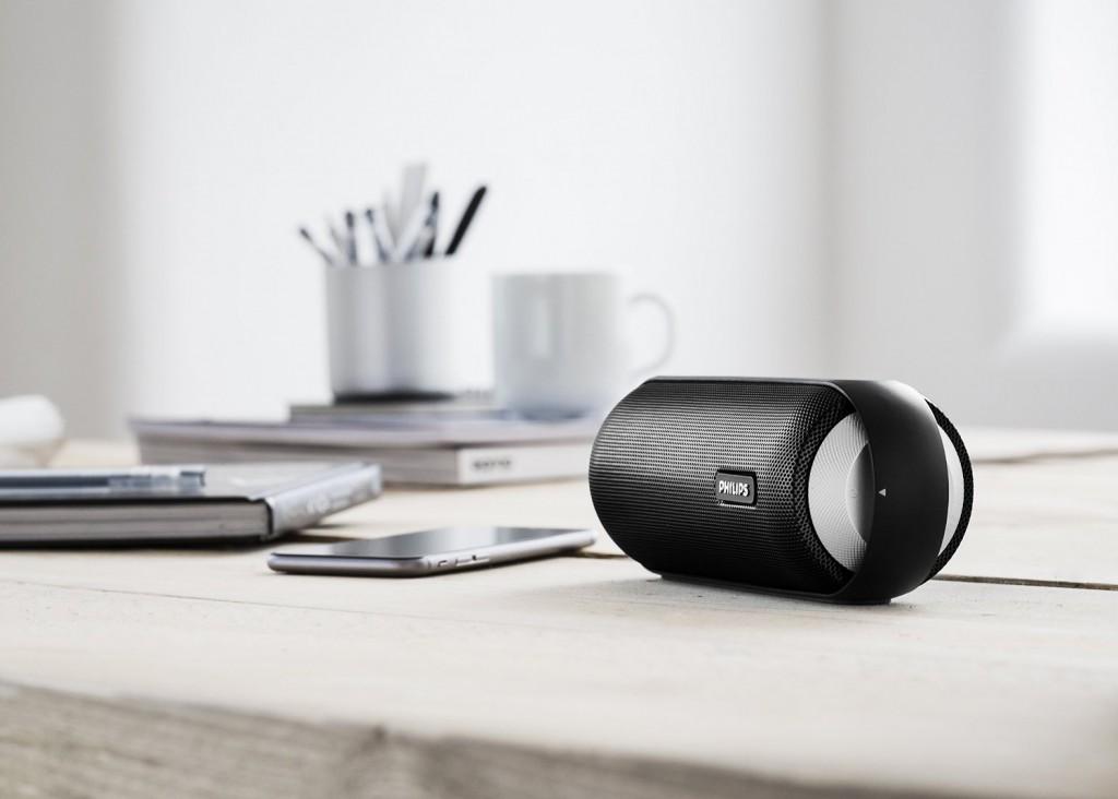 philips bt6000 leistungsstarker 360 grad bluetooth speaker. Black Bedroom Furniture Sets. Home Design Ideas