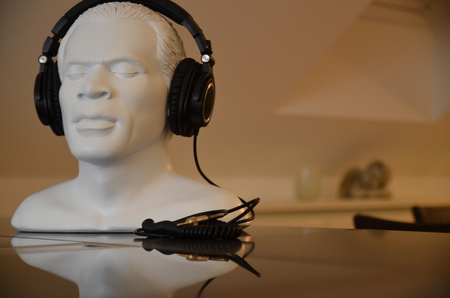 Oehlbach Kopfhörerständer – Kopfhörer als Blickfang  b82a90ebd6