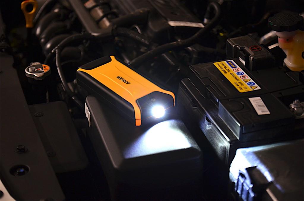 mobile starthilfe auto taschenlampe 1024x678