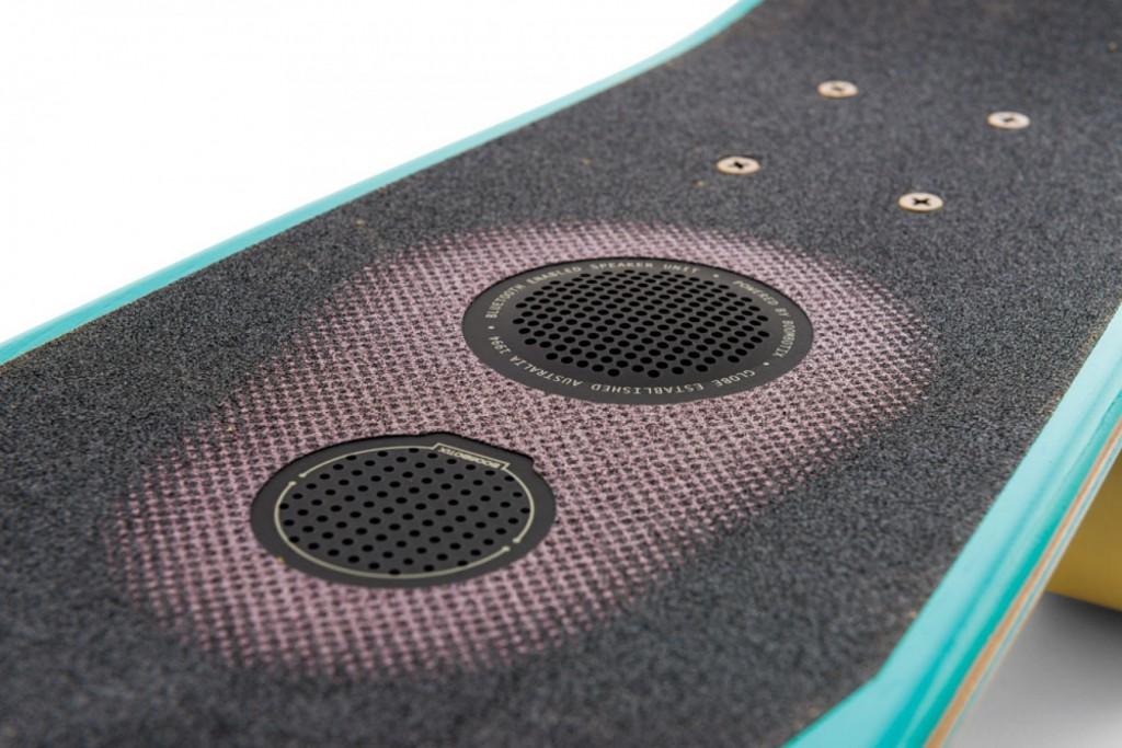 skateboard mit lautsprechern