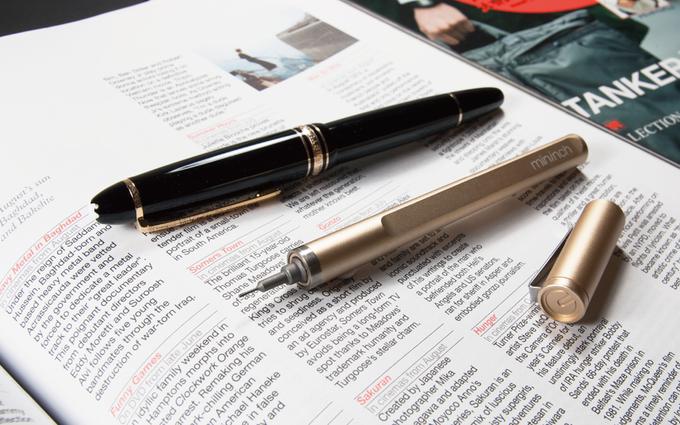tool pen mini neben stift