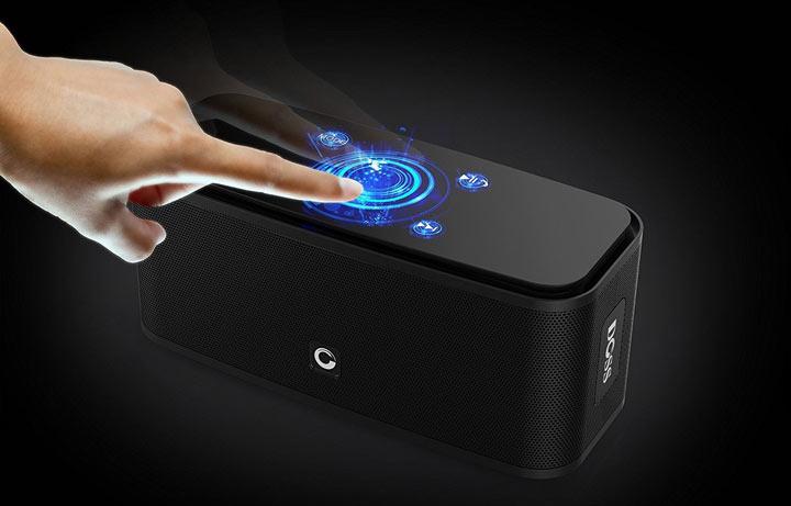 doss soundbox mobiler speaker mit eleganter steuerung. Black Bedroom Furniture Sets. Home Design Ideas