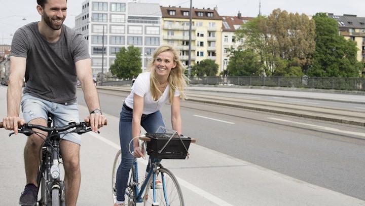 Knister Grill am Fahrrad