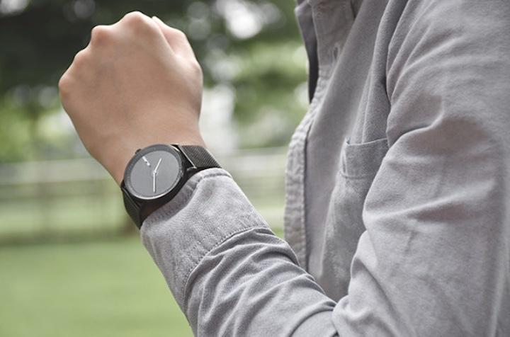 GIGLO Smartwatch am Handgelenk