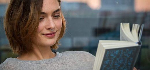 Frau mit Buch und Aspiraclip 520x245
