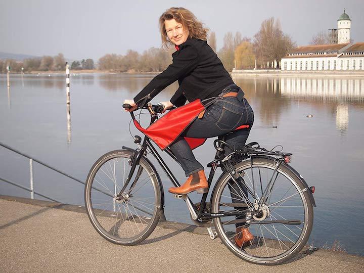 drachenhaut praktischer fahrrad regenschutz f r die beine. Black Bedroom Furniture Sets. Home Design Ideas