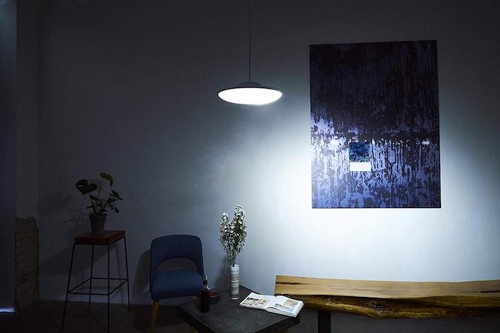 Lampe Bild Tisch Stuhl