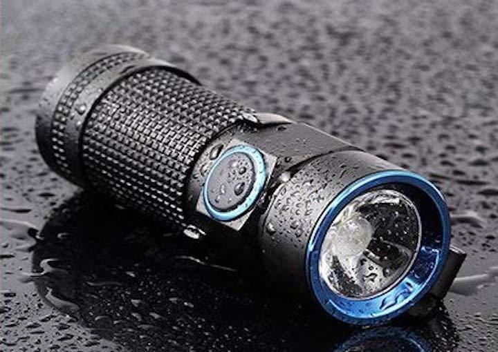olight s1 diese mini taschenlampe ist extrem hell und. Black Bedroom Furniture Sets. Home Design Ideas