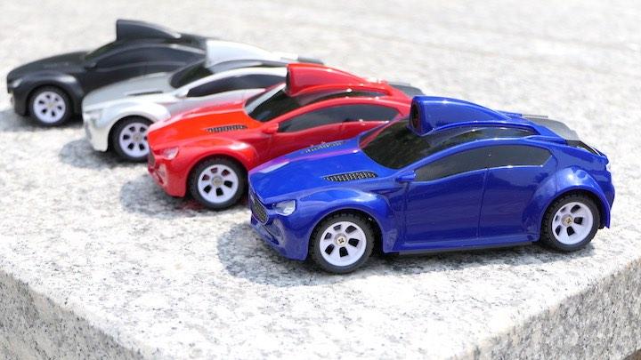 Real Racer in vier verschiednen Farben