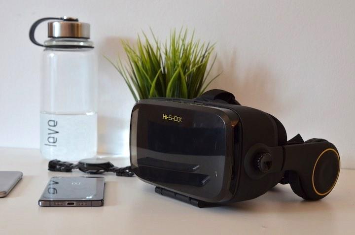 VR Shark X4 auf Tisch 2