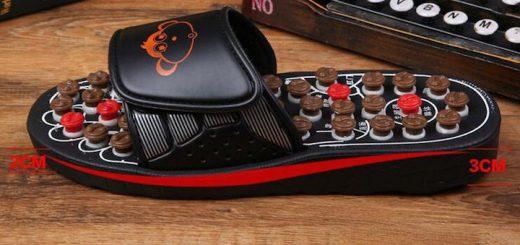 FJY Hausschuh mit Fußreflexzonenmassage vor Schreibmaschine 520x245