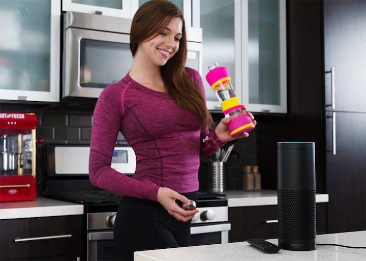 Frau K%C3%BCche Amazon Alexa H2OPal