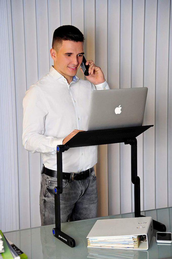Movinto Laptop Ständer zum Arbeiten im Stehen 681x1024