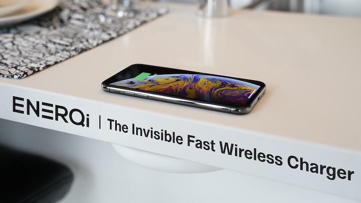 ENERQi Tischplatte iPhone