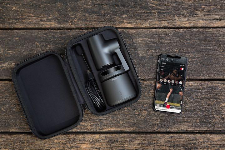 OBSBOT Tail in Case mit Smartphone