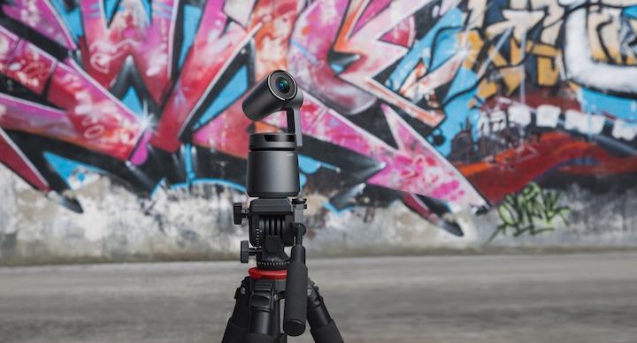 OBSBOT Tail vor Graffitiwand