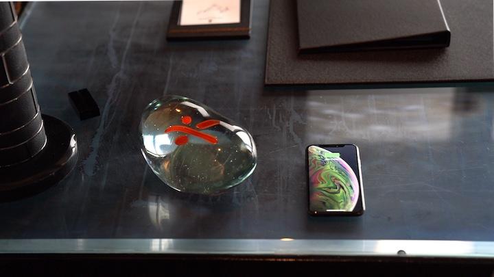 Qi Glas iPhone Tischplatte