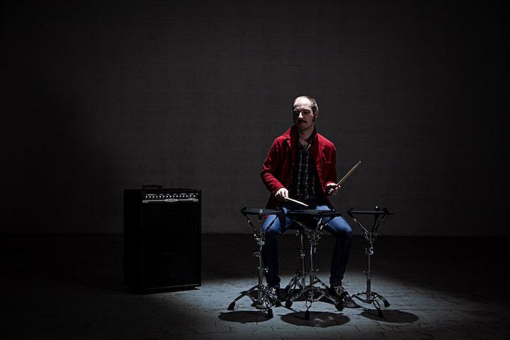 Schlagzeuger spielt mit Senspad
