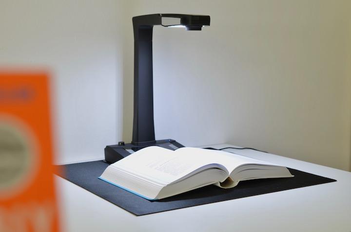 JOURIST Buchscanner scannt Buch
