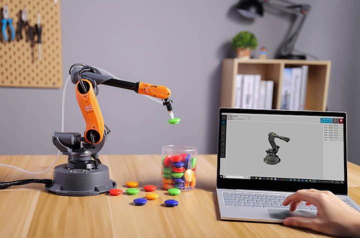 Mirobot wird mit Computer gesteuert