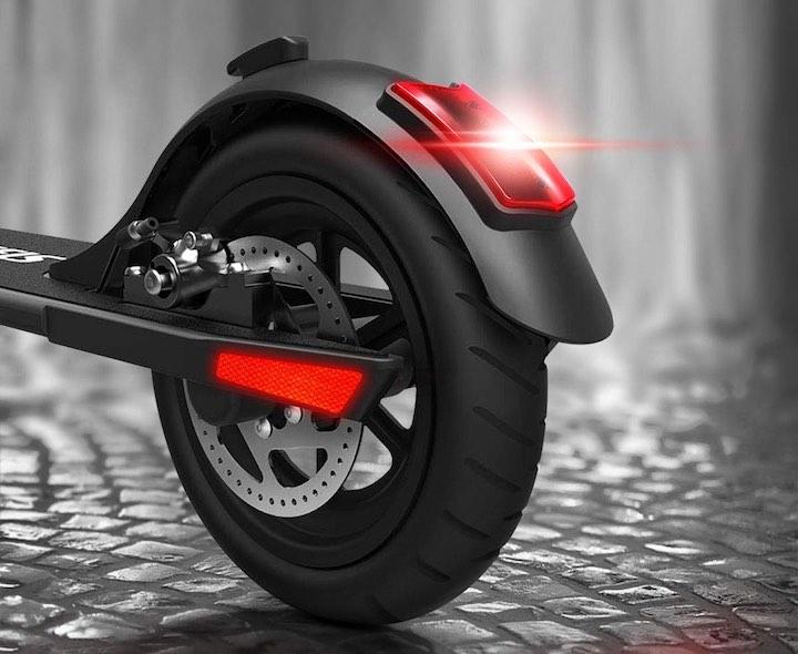 Urbetter eScooter Rücklicht Reifen