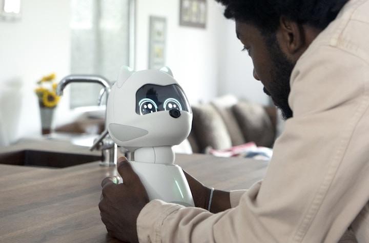 KIKI Roboter beitzt Touch Sensoren