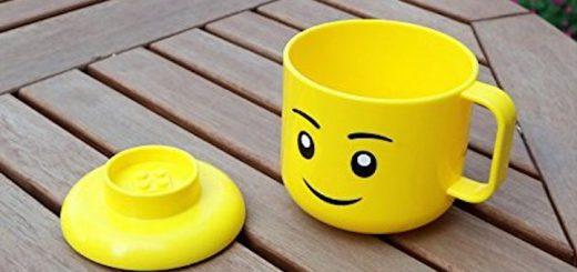 Legotasse Deckel Holztisch 520x245