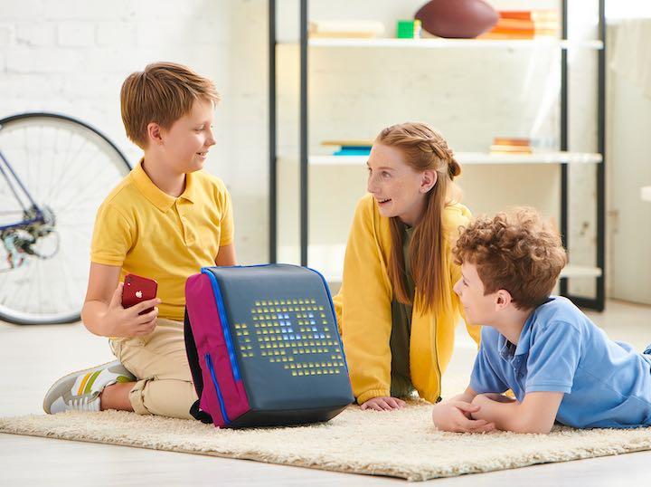 Drei Kinder mit Pix Mini