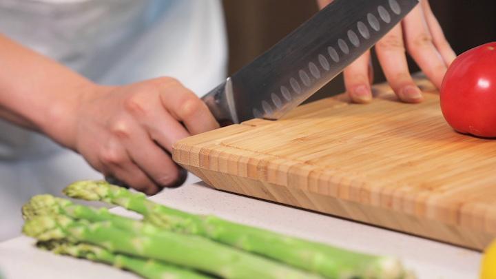 Messer wird geschliffen mit ChopBox