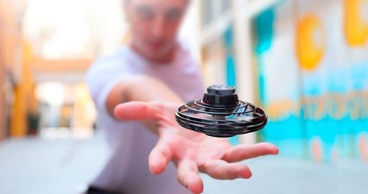 FlyNova Fidget Spinner Mann Hand