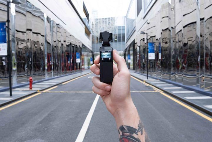 Vmate Gimbal Kamera in der Hand
