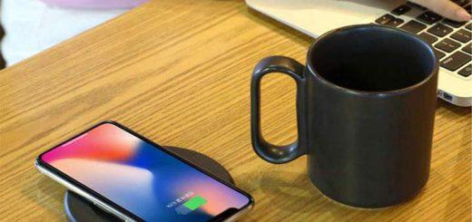 Tassenwaermer iPhone Hand Tastatur