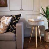 Victrola Couchtisch Kissen Sofa Pflanze 160x160