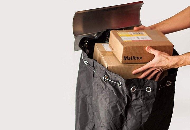 H%C3%A4nde legen Pakete in Paketsafe