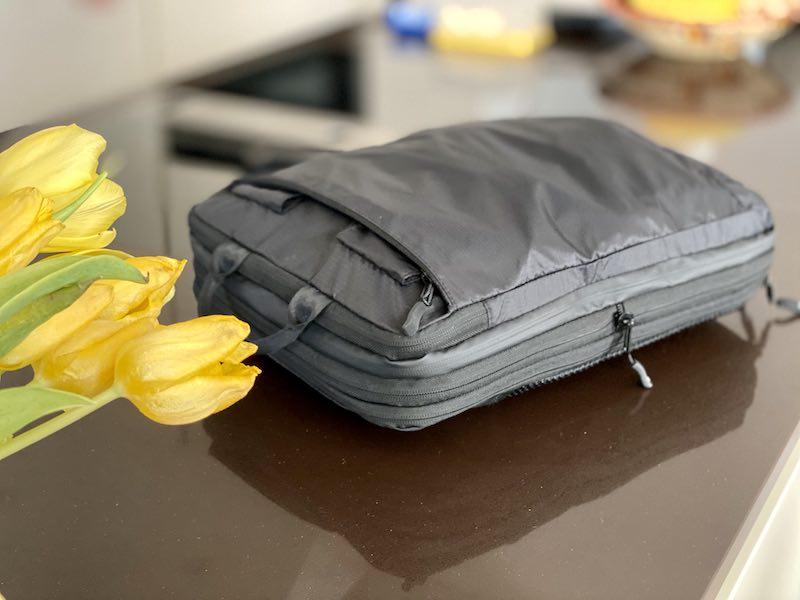 Packtasche liegend