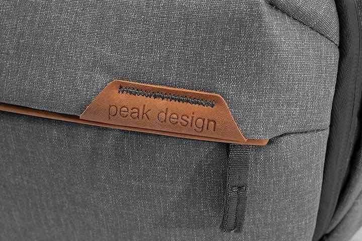 Peak Design Everyday Sling Label