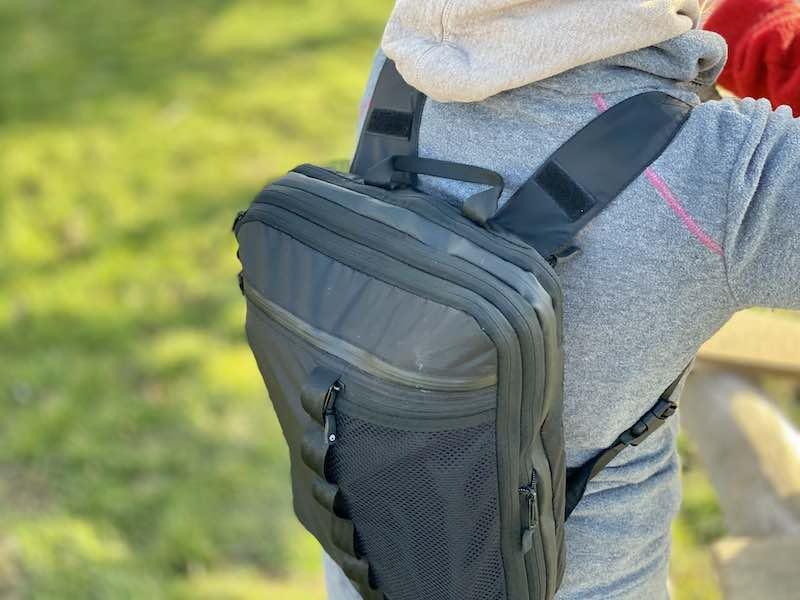 Traveldude Packtasche als Rucksack getragen