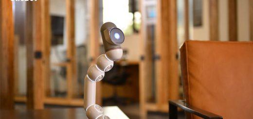 Clicbot auf dem Tisch