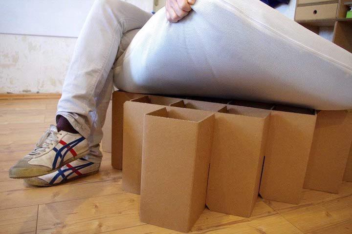 Bett aus Pappe ROOM IN A BOX