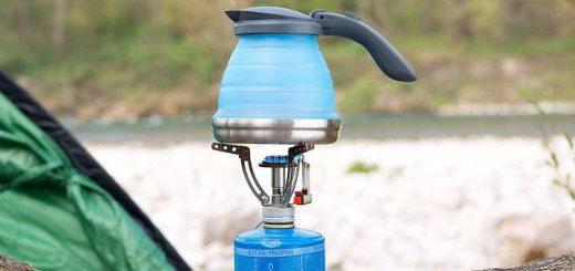 Faltbarer Wasserkessel auf Gaskocher