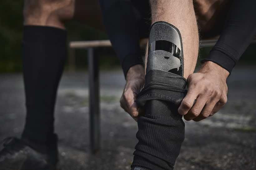 Schienbeinschoner von PANTHERGRIP hoher Schutz durch Muskelpassform