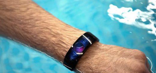 amazfit x smartwatch an einem arm im wasser 520x245