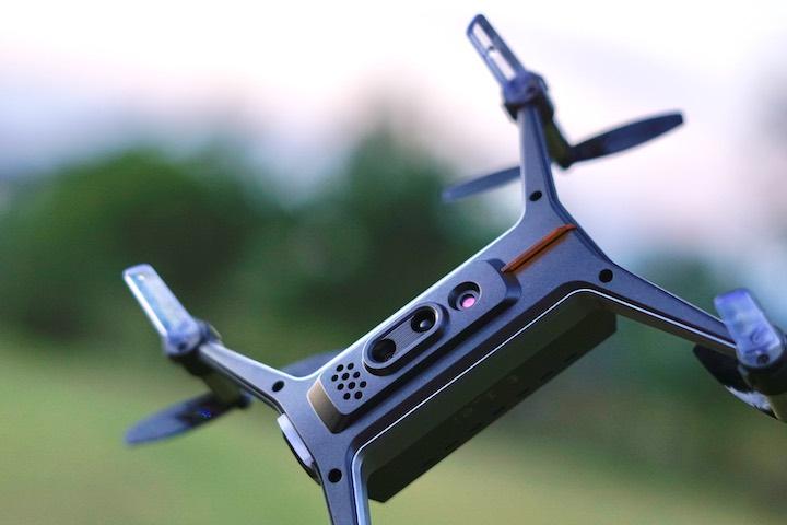 Unterseite mit Sensoren der SHIFT Drohne