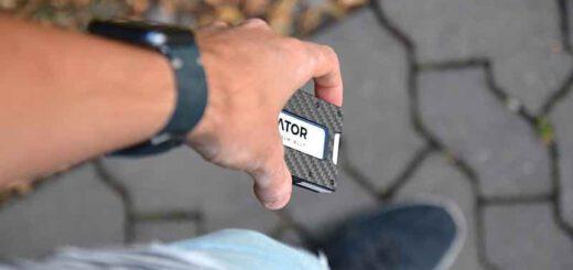 aviator slide wallet im alltag 520x245