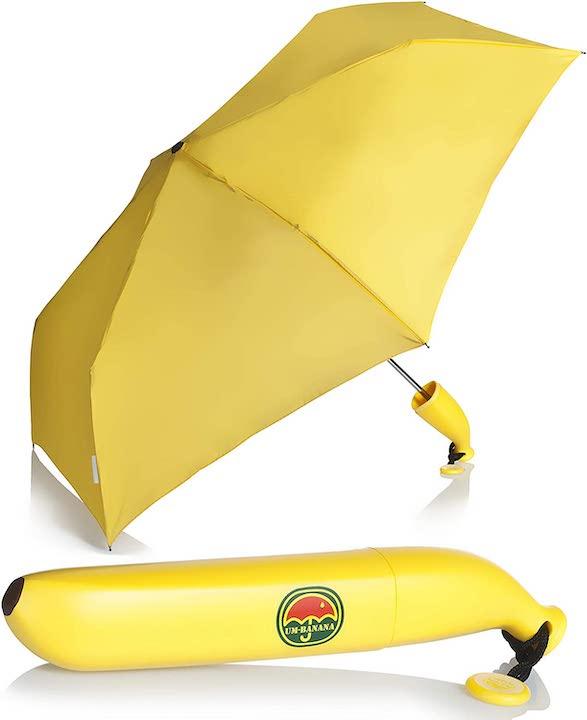 Regenschirm in Bananenform