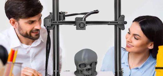 SUNLU S8 3D Drucker mit Mann und Frau