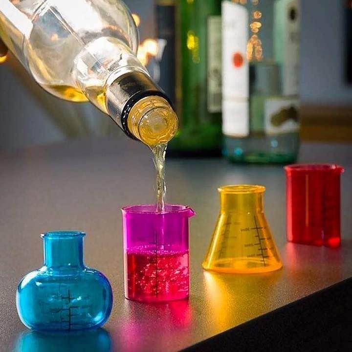 Chemie Schnapsglaeser