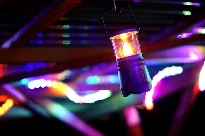 Lampe mit bunten Farben